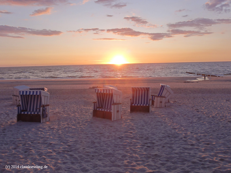 strandkorb sonnenuntergang. Black Bedroom Furniture Sets. Home Design Ideas